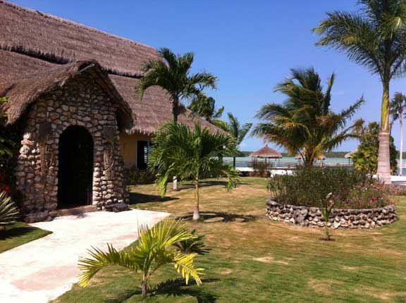 Bamboo Beach Resort Belize